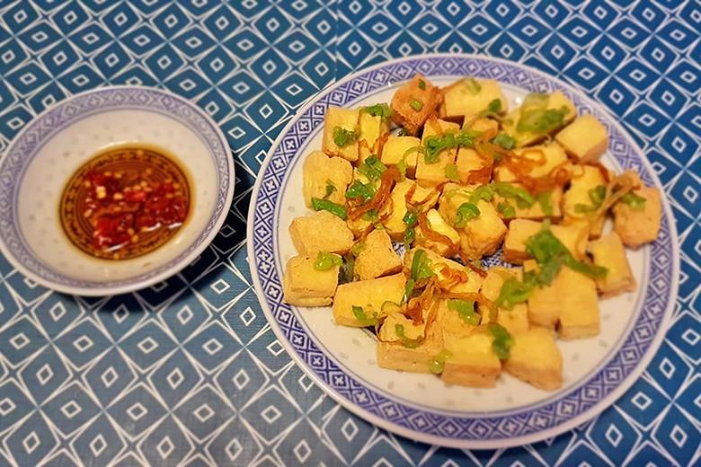 knusprig-gebratener-tofu-mit-chili-sojasauce.jpg