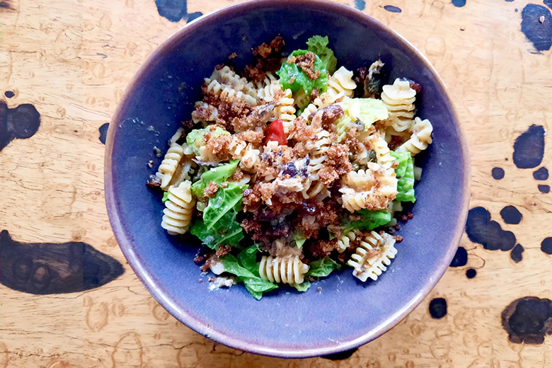 nuri-sardinen-pasta-mit-mandeln-korinthen-und-wirsing.jpg
