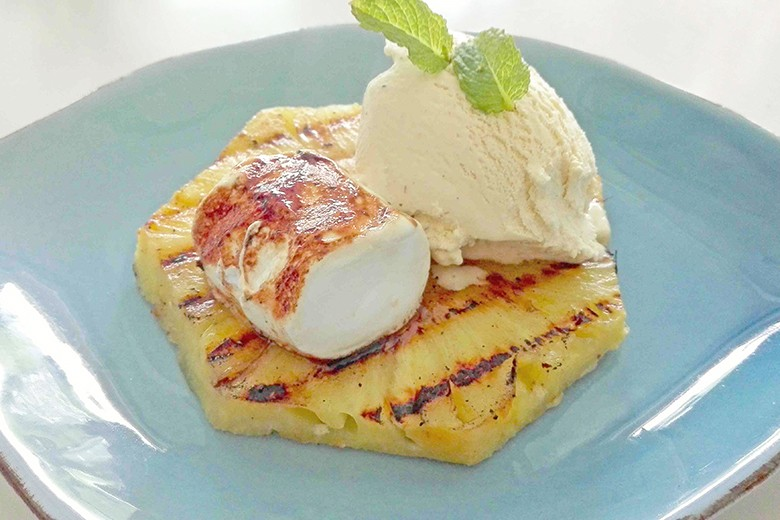 grill-ananas-marshmallow-eis-dessert.jpg