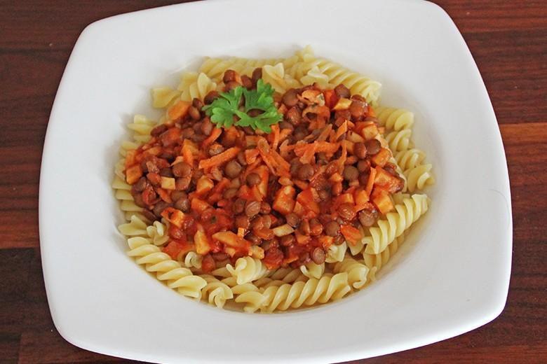fusilli-mit-tomaten-linsen-sauce.jpg
