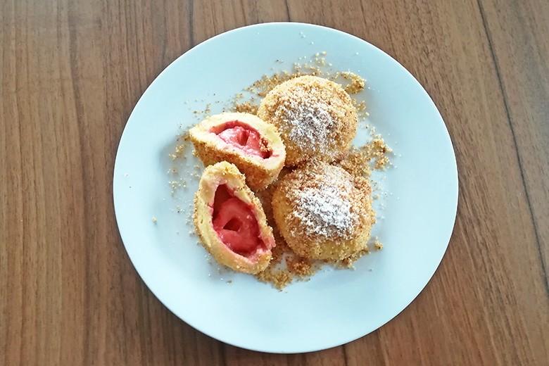 topfenknodel-mit-erdbeeren.jpg