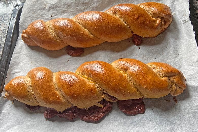 Dinkel-Hefezopf mit Puddingfülle