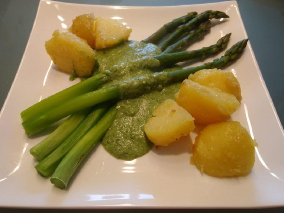 Sauce aus Radieschengrün